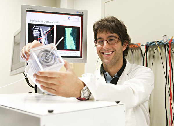 Andrea acquires a calibration scan with the anatomical OCT system